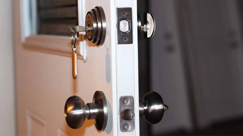 ۳. آیا من به دو قفل برای درب ورودی نیاز دارم؟-خرید قفل درب