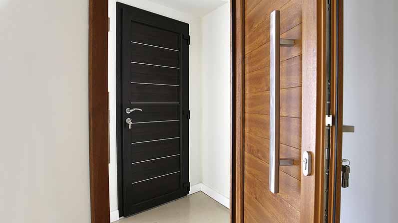 ۵. چه نوع قفلی بر روی دربهای uPVC وجود دارد؟-خرید قفل درب