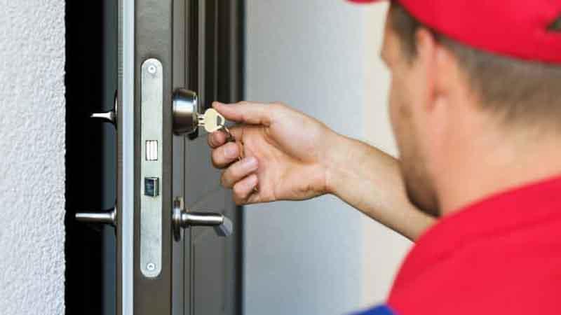باز کردن درب توسط قفل ساز ها چگونه انجام می شود؟