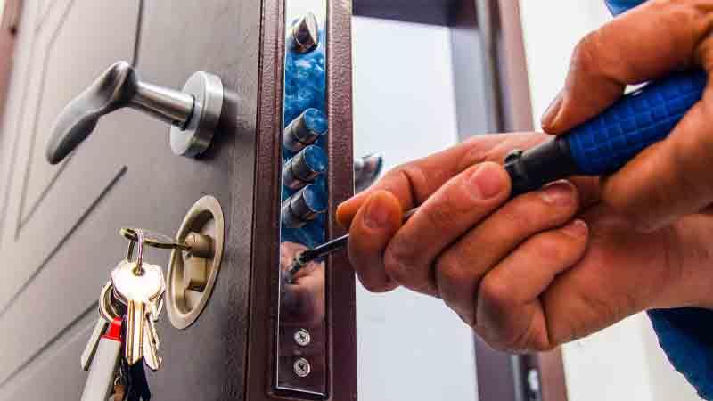 تغییر قفلها-باز کردن درب