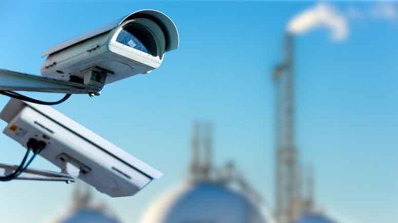۱۰. برای جلوگیری از سرقت، یک دوربین امنیتی یا یک آیفون تصویری نصب کنید-افزایش امنیت درب آپارتمان